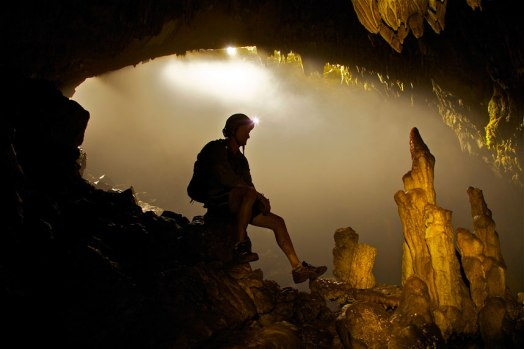 stalagmites-man_2315886k